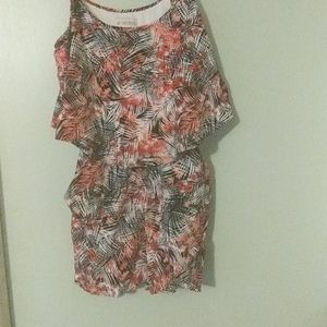 Guess Romper with pockets. Size XS